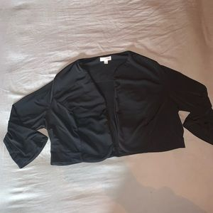 Traditions black cropped light weight blazer